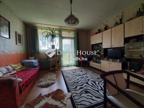Eladó Lakás, Bács-Kiskun megye, Kecskemét - Belvárosi, panorámás,erkélyes 2 szobás lakás