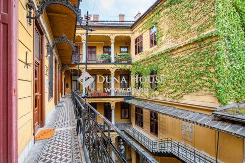 Eladó Lakás, Budapest - *Felújított, belső kétszintes, utcai tájolású, világos lakás a Ráday utcában!*