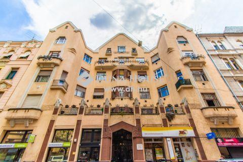 Eladó Lakás, Budapest - Szép házban, 2+1 szobás felújított, Újlipót közepén