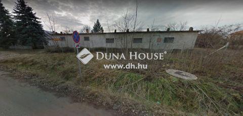 Eladó Ház, Pest megye, Nagykőrös - Telek áron = 3000nm terület, +500m2 tégla épület!