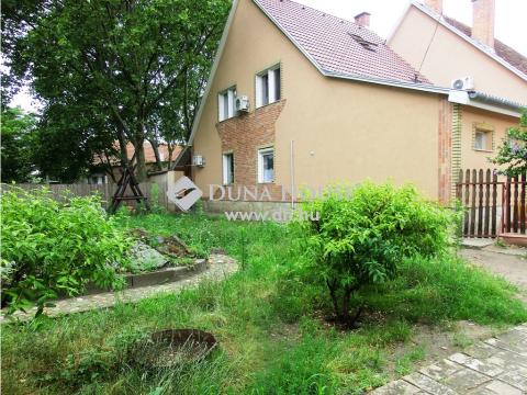 Eladó Ház, Bács-Kiskun megye, Kecskemét - Hunyadiváros sorházas környéke