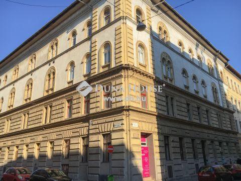 Eladó Lakás, Budapest - Kodály köröndhöz közeli NAPFÉNYES és tágas garzon!