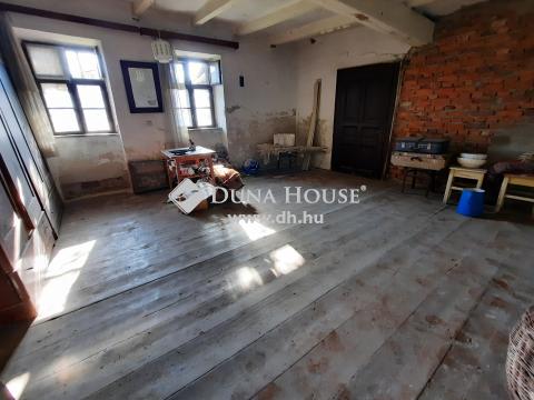 Eladó Ház, Bács-Kiskun megye, Kiskunfélegyháza - Belvárosi felújítandó családi ház nagy portával