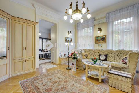 Eladó Lakás, Budapest - Luxus,erkéyes otthon minden bútorral, extra felszereltséggel a New York Palace-nál