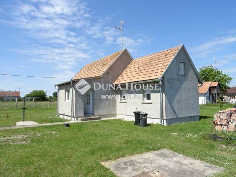 Eladó Ház, Bács-Kiskun megye, Lajosmizse - A város szélén