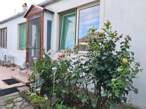 Eladó Ház, Fejér megye, Baracska - Posta mellett