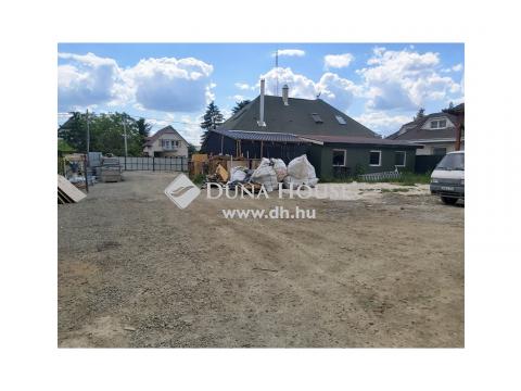 Eladó Telek, Pest megye, Szigetszentmiklós - M0-ás lehajtó közelében eladó telephely házzal együtt Lakihegyen