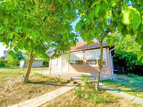 Eladó Ház, Pest megye, Szentmártonkáta - Központ közeli